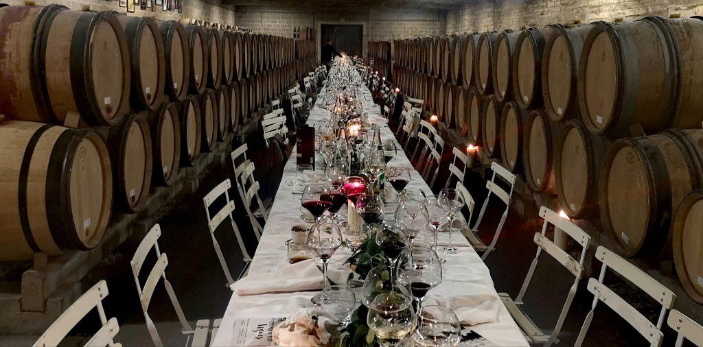 Le 14 juin 2019,  le long de cette belle tablée, près de 150 personnes ont apprécié un délicieux repas accordés à de superbes vins