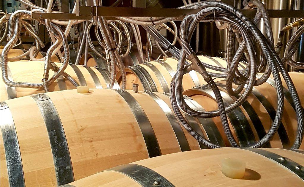 Les fûts de Garrus du château d'Esclan, producteur de vins rosés en Provence