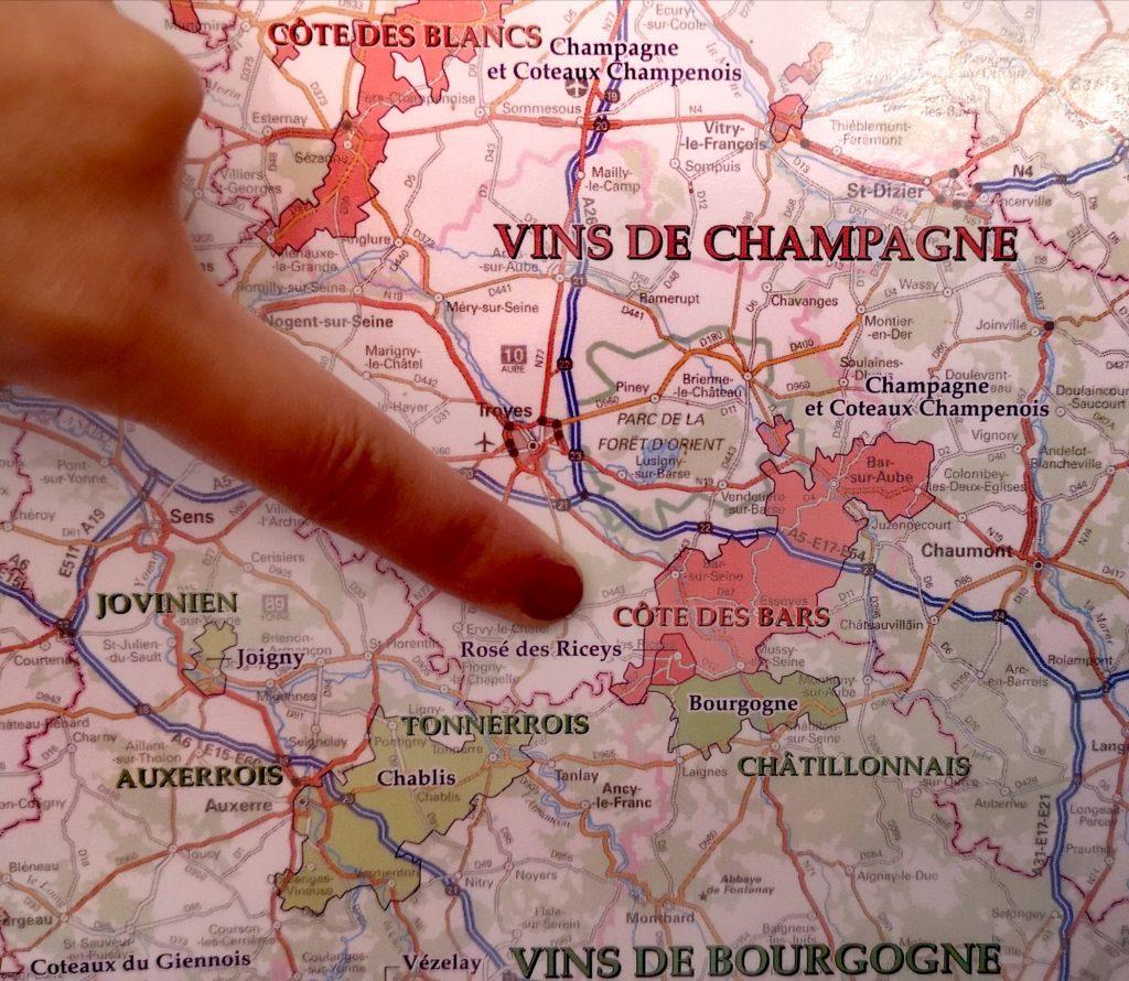 La Côte des Bars, c'est ici ! Limitrophe avec le vignoble Bourguignon, mais on est toujours en Champagne