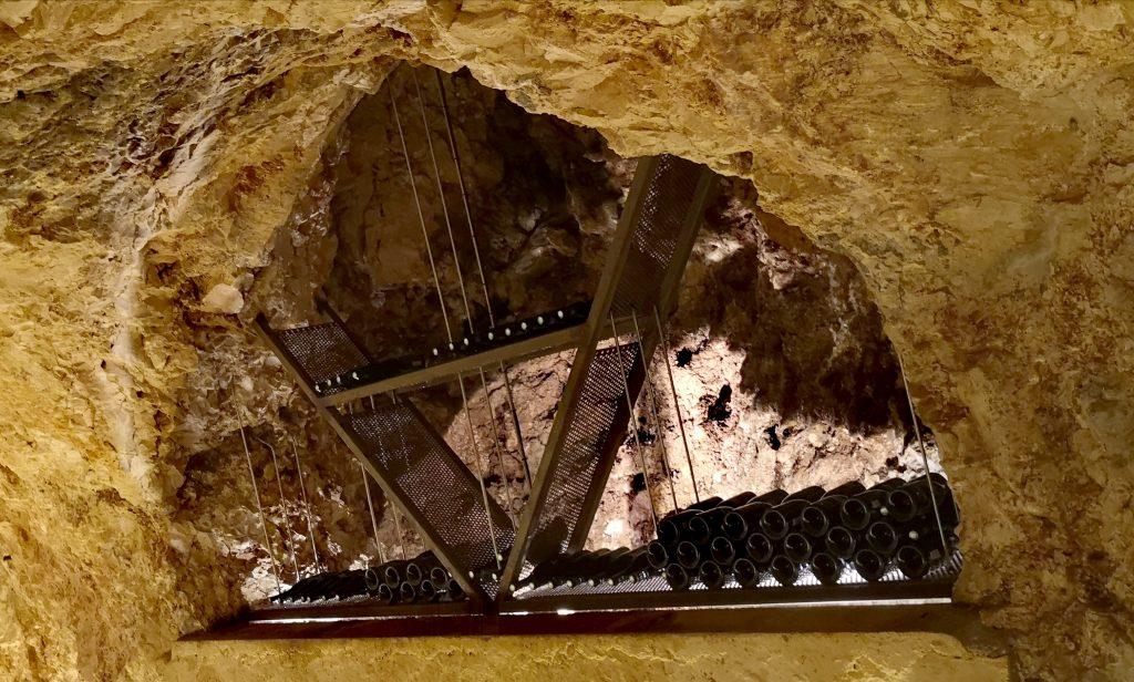 10 000 bouteilles de vins ardéchois stockées 50 mètres sous terre