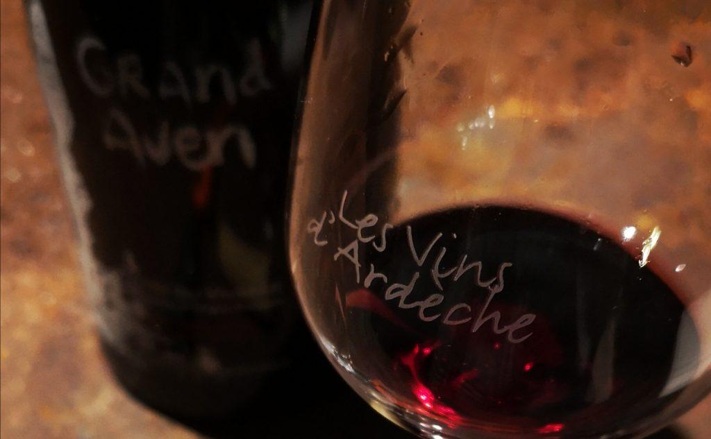 Dégustation du Grand Aven : ce vin est vieilli un an sous terre