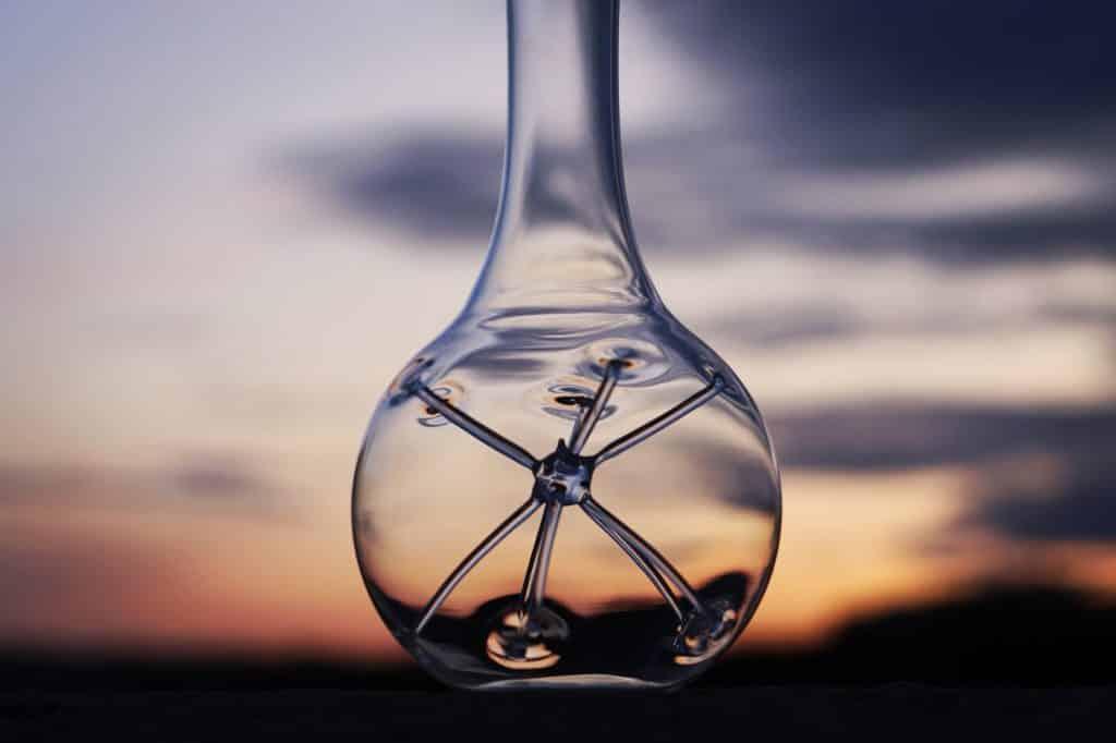 La carafe Star by Zieher et ses branches étoilées pour une oxygénation optimale du vin