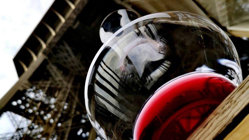 Vertigineuse vinification : le vin de la Tour Eiffel