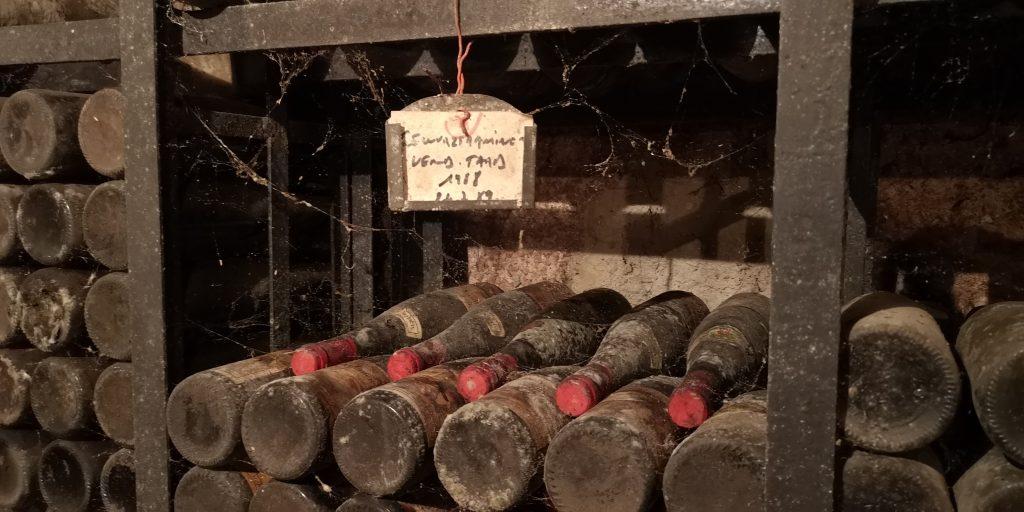Gewurztraminer de 1988 dans une cave à vin d'alsace