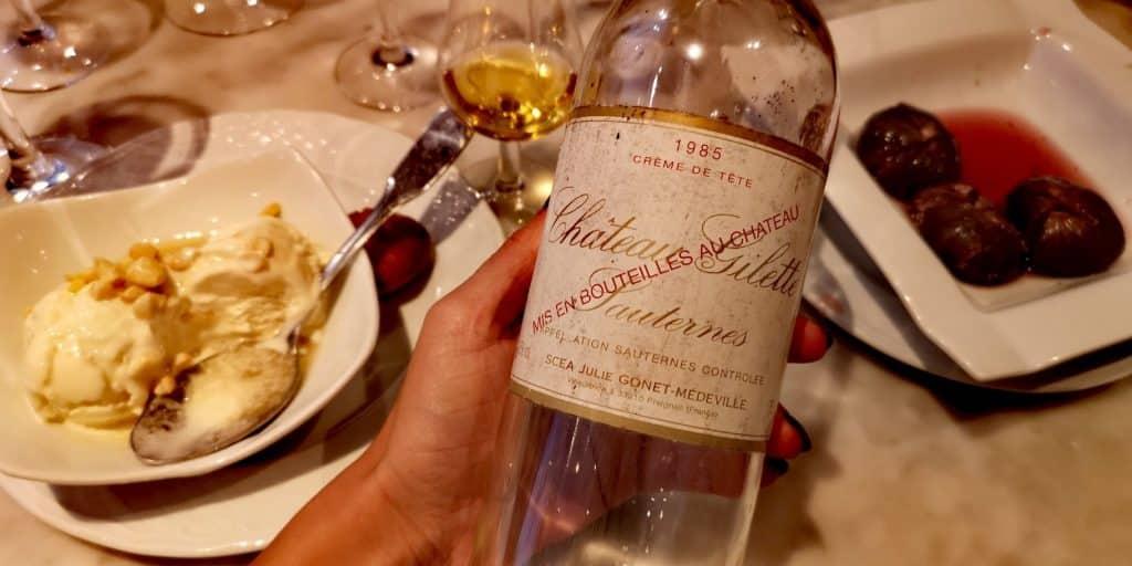 Les vins liquoreux tels que le Sauternes, très communs sur le foie gras, ont en fait plutôt leur place en fin de repas (ici au restaurant La Cagouille sur des figues et une crème glacée)